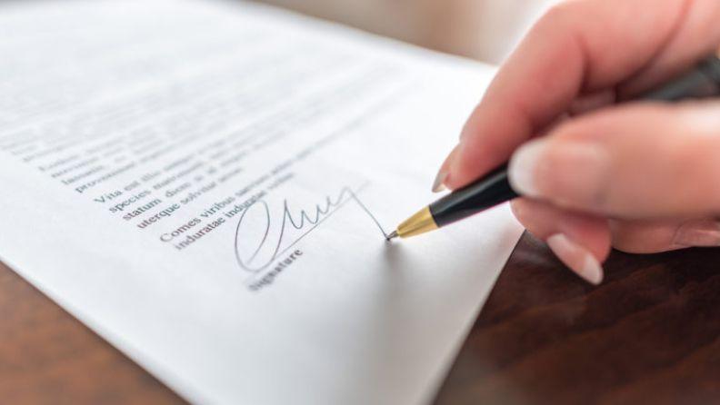 tanda tangan perjanjian rumah lelong